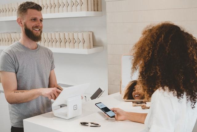 Fidéliser les clients : quelles sont les meilleures stratégies à appliquer ?